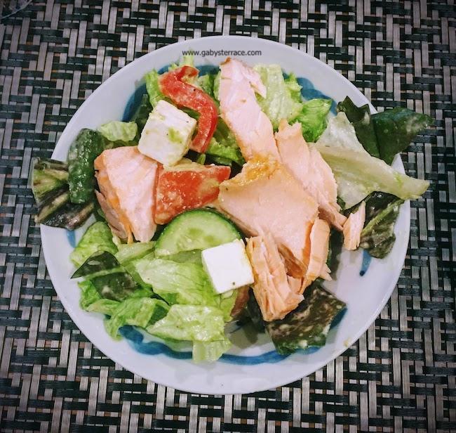 ギリシャ風サラダで簡単ランチ